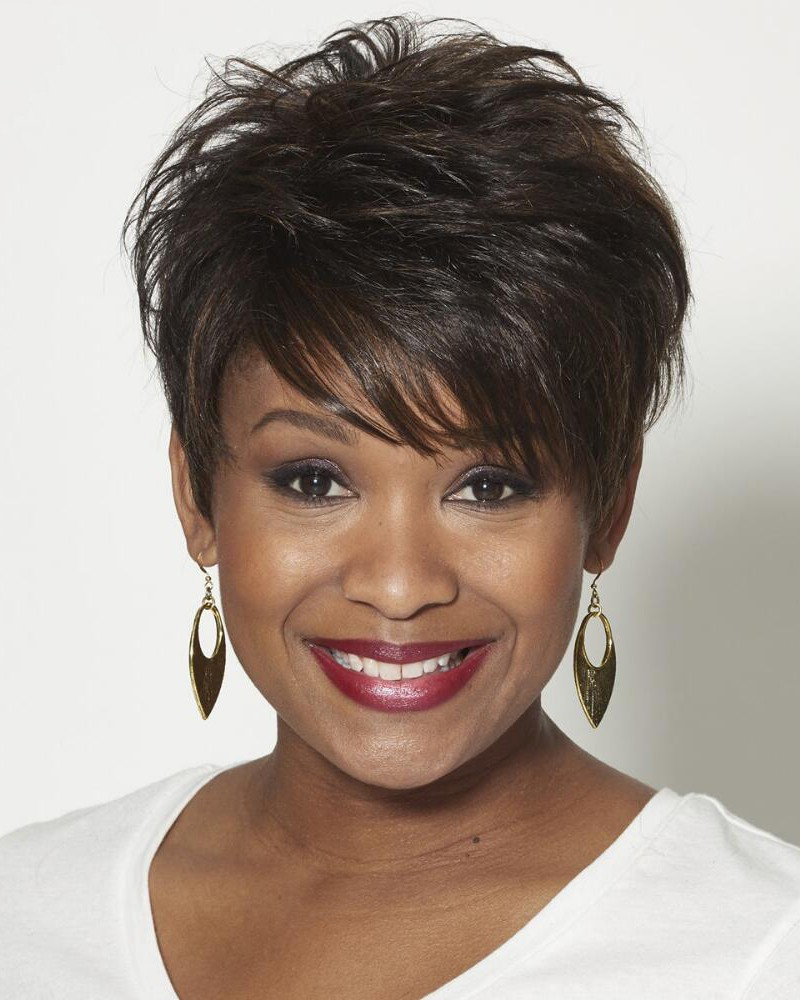 100 human hair pixie wigs with short wavy layers and