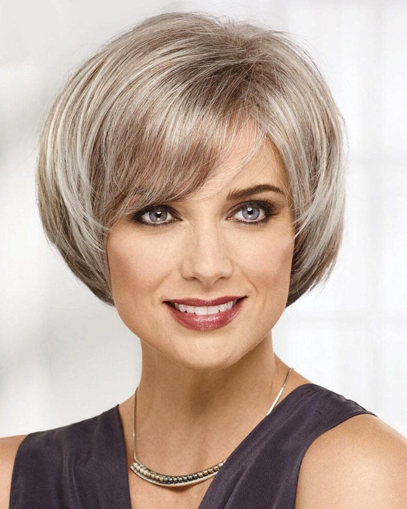 Chic Short Bob Wig With Face Framing Sides And A Rounded Silhouette