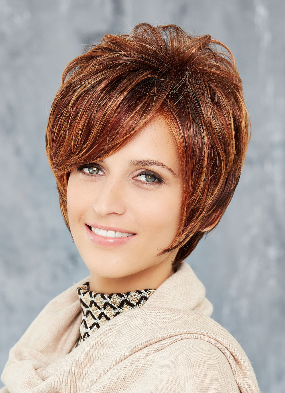 Chic Short Straight Blonde Capless Wigs With Layers Best