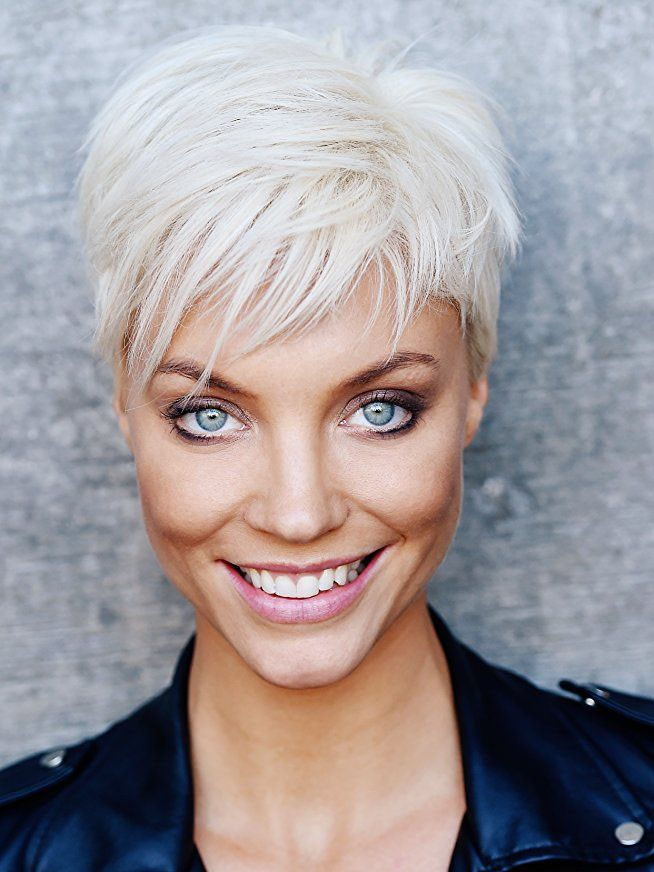 Fashion Blonde Short Pixie Cut Synthetic Hair Wig