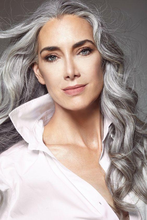 Long Body Wavy Silver Grey Wigs