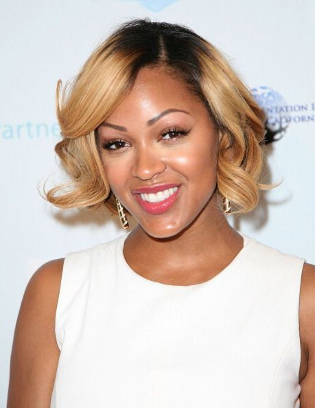 Lustrous Curly Synthetic Blonde Hair Wigs For Black Women